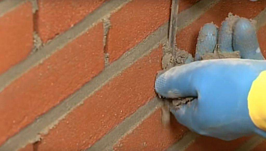 как заполнить швы в кирпичной кладке