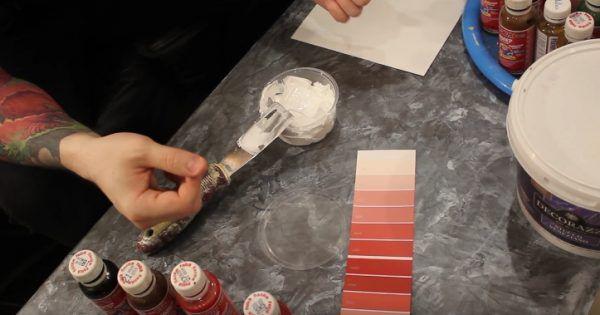 Подготовка штукатурки нейтрально-белого цвета