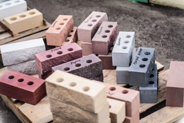 Блоки с лицевым декоративным слоем