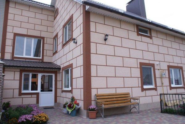 Симпатичный фасад, отделанный пенопластовыми термопанелями