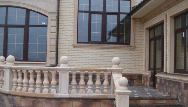 Обрамление проёмов, цоколя и лестницы