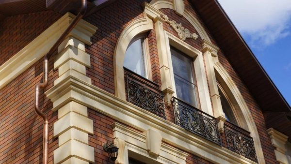 Полиуретан в дизайне фасада