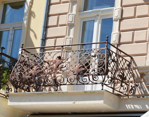 Обрамление окна из экструзионного пенополистирола