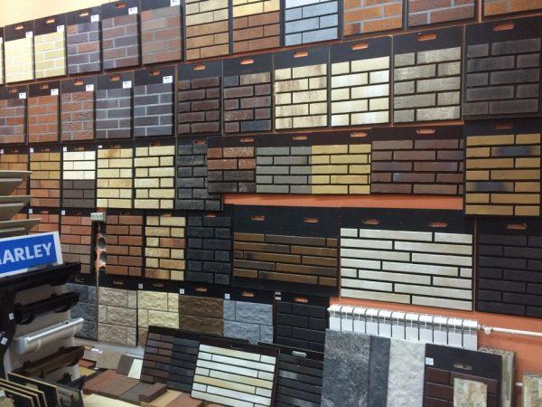 На рынке можно встретить большое разнообразие фасадных термопанелей