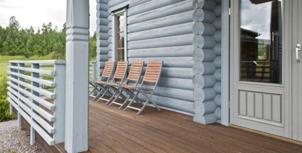 Какой краской лучше покрасить деревянный дом?