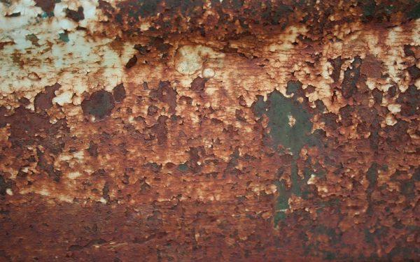 Перед началом работы следует оценить степень повреждения металла, а также наличие и состав нанесенных ранее составов
