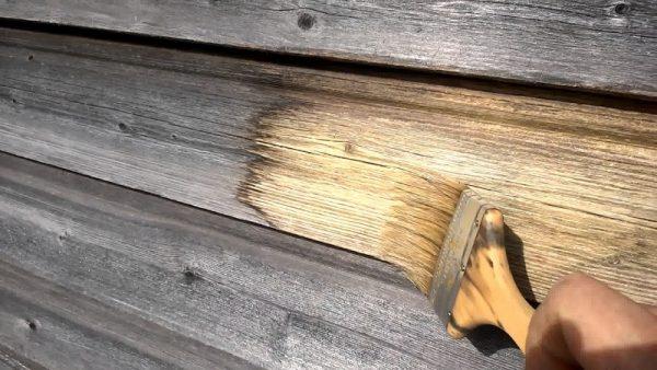 Отбеливатели осветляют древесину и уничтожают вредоносные микроорганизмы