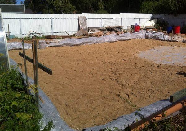 Песчаная подушка под плиту