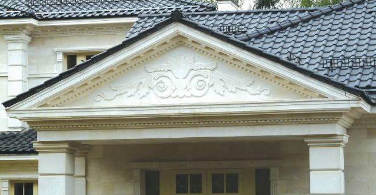 Декоративный фронтон