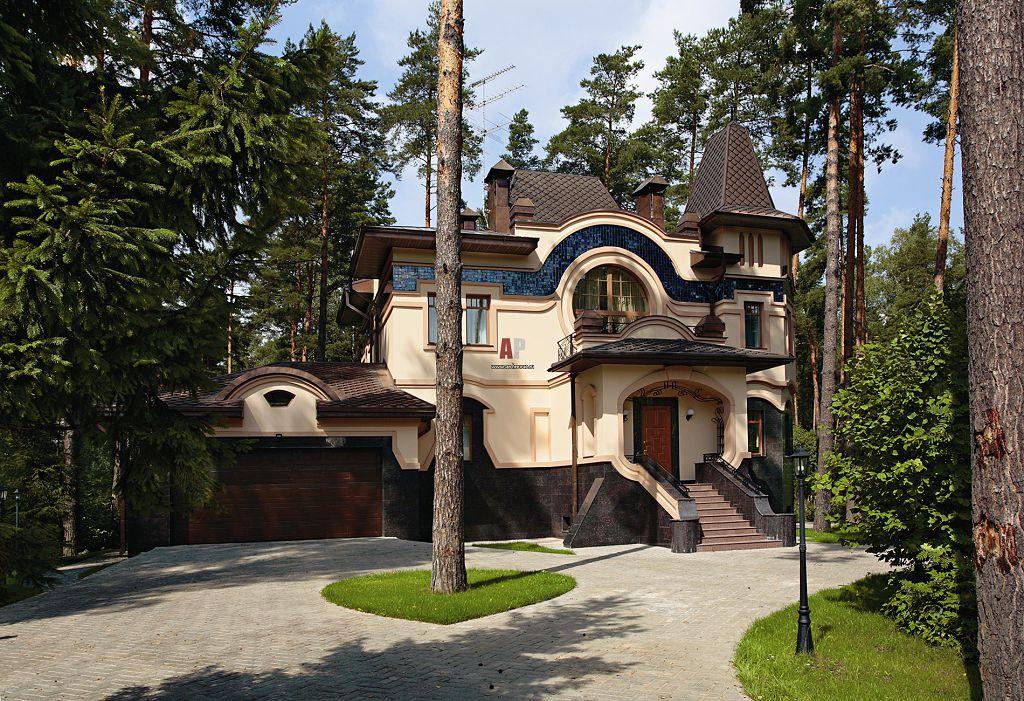 Дома в стиле модерн характеризуются гибкими линиями фасада