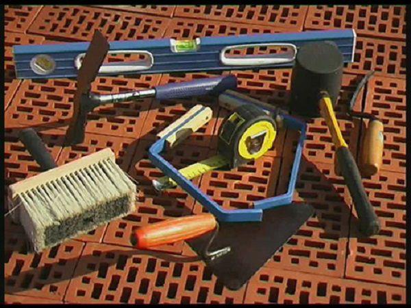 Инструменты для работы с облицовочным кирпичом