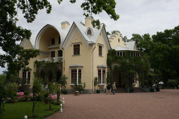Постройка в готическом стиле
