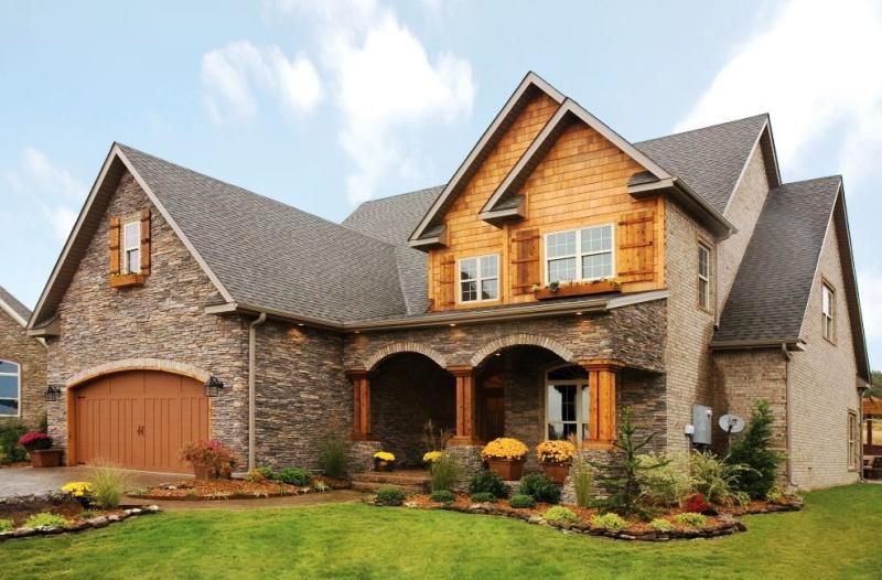 Большинство домов в Америке строится с подвалом и гаражом на две или три машины