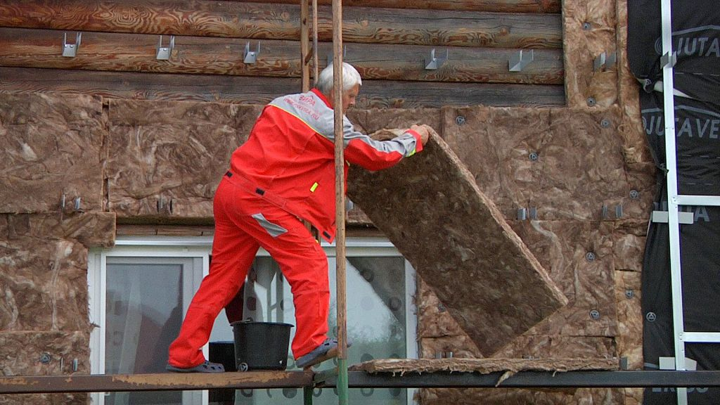 Утепление фасада деревянного дома своими руками