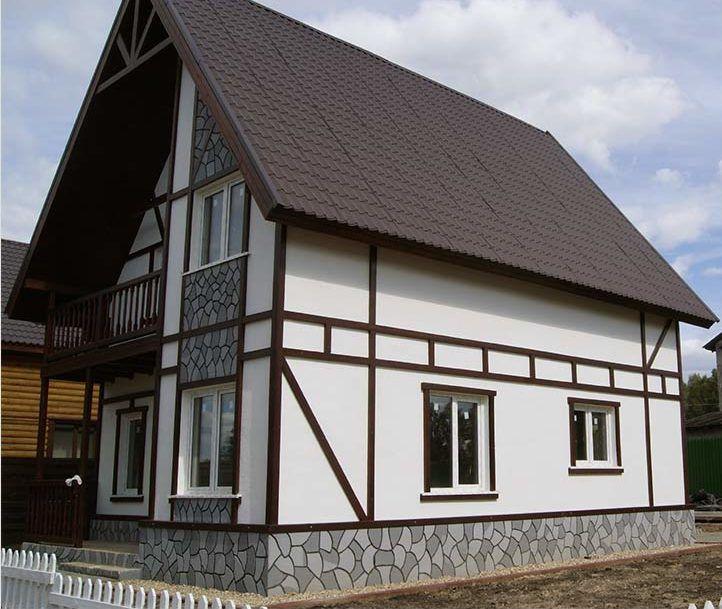 На фото пример контрастного оформления дома