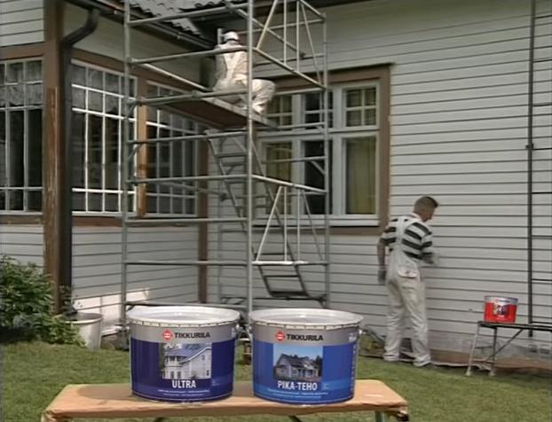 Работы по окрашиванию деревянного дома