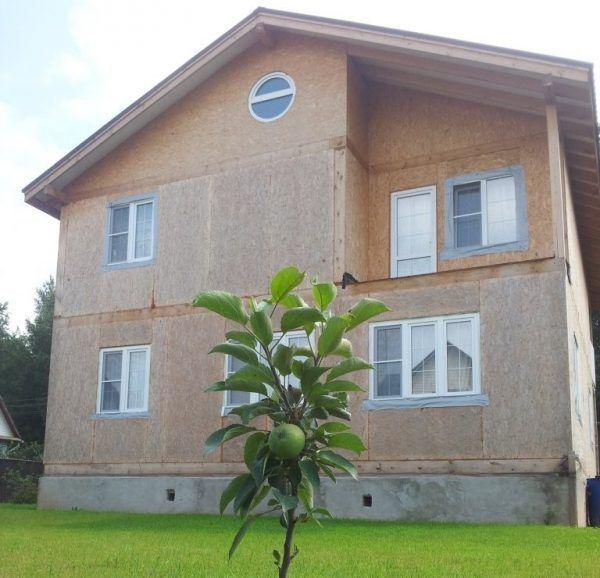 Дом из СИП панелей перед отделкой декоративной плиткой