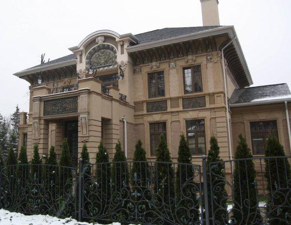 Фасад дома в стиле модерн
