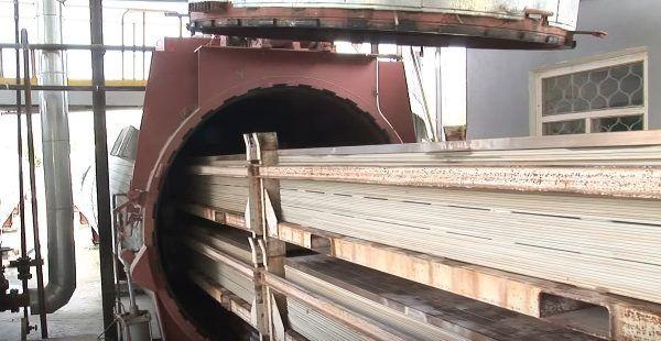 Фиброцементные плиты поступают в автоклав