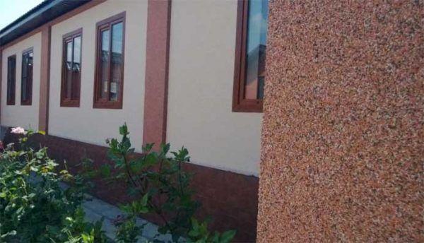 Мраморная штукатурка фасада дома