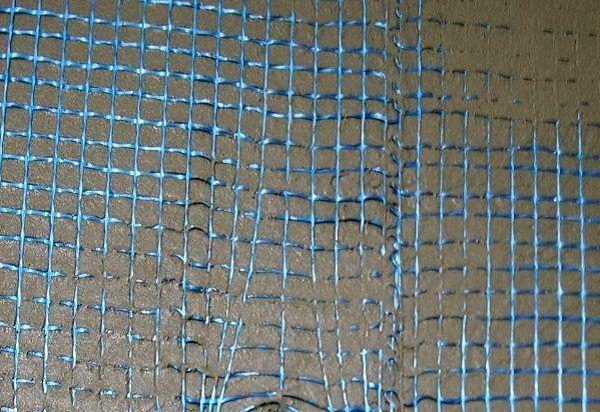 Пример использования некачественной фасадной сетки