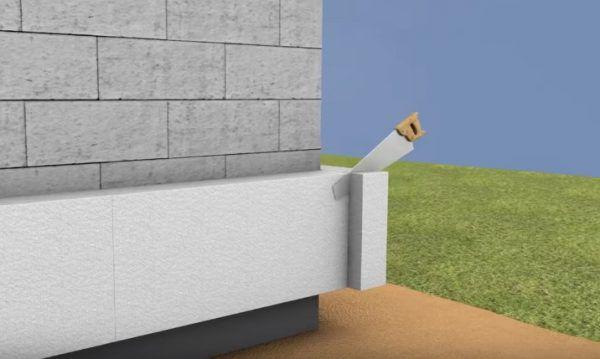 Установка блока с другой стороны впритык с тем, что выходит за границу стены. Излишек срезается пилой